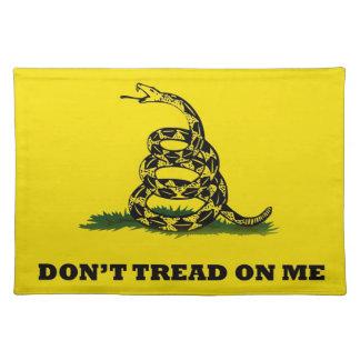 No pise en mí la bandera del gadston mantel