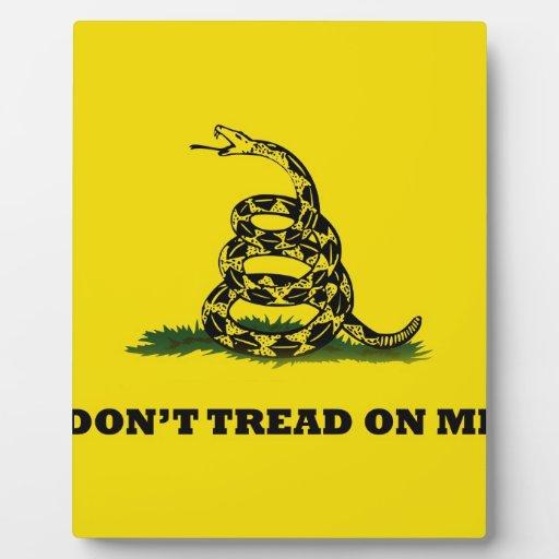 No pise en mí la bandera del gadston placa