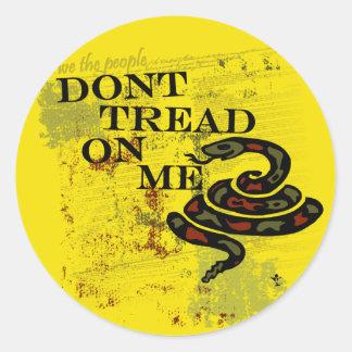 No pise en mí la bandera/el símbolo de Gadsden Pegatinas Redondas