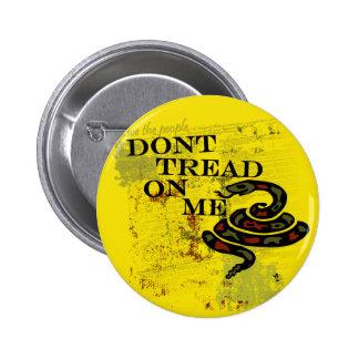 No pise en mí la bandera/el símbolo de Gadsden Pin Redondo De 2 Pulgadas