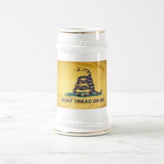 No pise en mí la cerveza Stein de la bandera de la Jarra De Cerveza