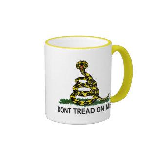 No pise en mí la cobra taza a dos colores