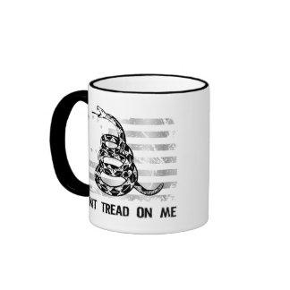 No pise en mí la taza de café