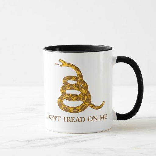 No pise en mí la taza de la serpiente