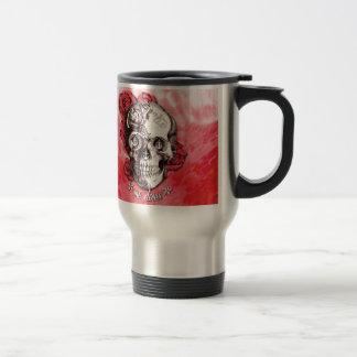 No puede atarme abajo del cráneo náutico en rojo y tazas de café