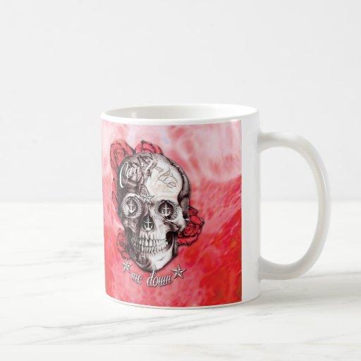No puede atarme abajo del cráneo náutico en rojo y taza