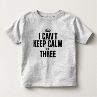No puedo guardar calma que soy tres poleras