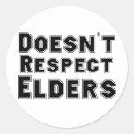 No respeta ancianos pegatina redonda
