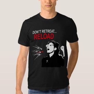 No retire… la camiseta de la recarga camisas