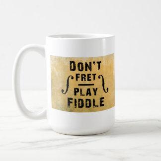 No se preocupe el regalo del violín del violín del taza básica blanca