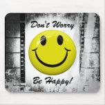 ¡No se preocupe sea feliz! Cara sonriente Mousepad Tapetes De Raton