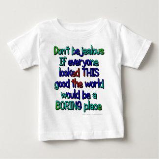 No sea celoso. Si cada uno miraba ESTE bueno…. Poleras