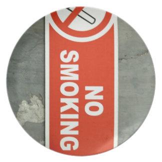 No smoking dinner plate