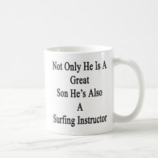 No sólo él es un gran hijo que él es también A que Taza De Café