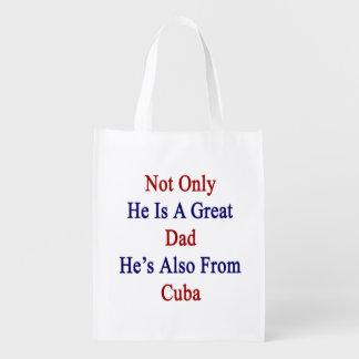 No sólo él es un gran papá que él es también de bolsa de la compra