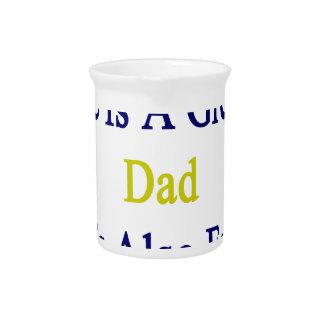 No sólo él es un gran papá que él es también de jarra