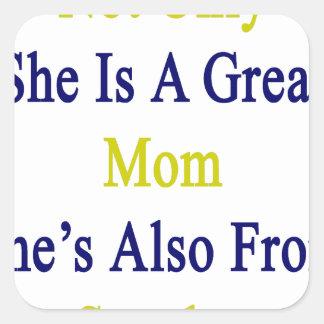 No sólo ella es una gran mamá que ella es también pegatina cuadrada