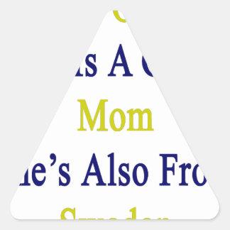 No sólo ella es una gran mamá que ella es también pegatina triangular