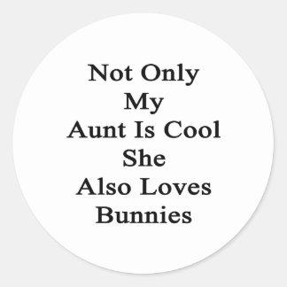 No sólo mi tía Is Cool She Also ama conejitos Pegatina Redonda