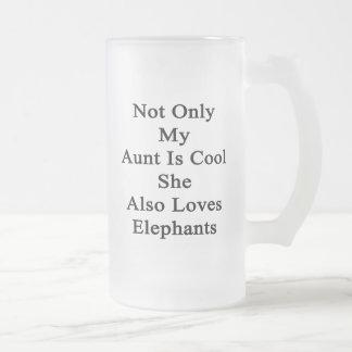 No sólo mi tía Is Cool She Also ama elefantes Jarra De Cerveza Esmerilada