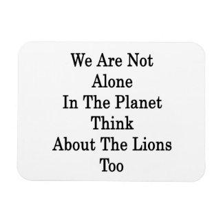 No somos solos en el planeta pensamos en Lio Iman Rectangular
