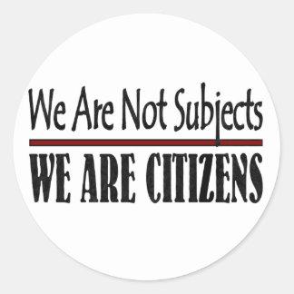 No somos temas que somos ciudadanos pegatinas redondas