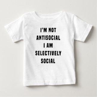 No soy antisocial, yo soy selectivamente social playera de bebé