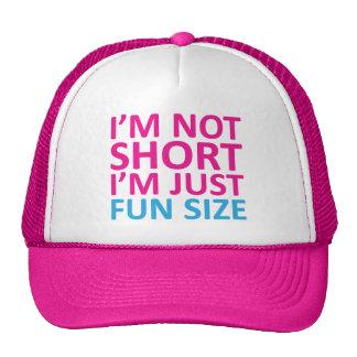 No soy corto yo soy apenas gorra del tamaño de la