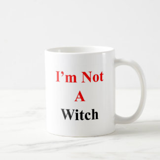No soy una bruja taza básica blanca