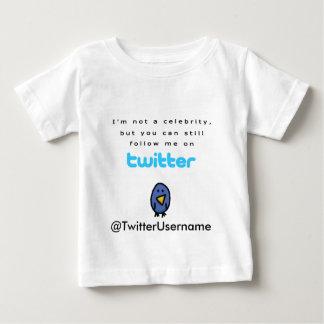 No soy una celebridad… me sigo en gorjeo t shirt