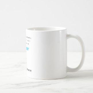 No soy una celebridad… me sigo en gorjeo taza de café