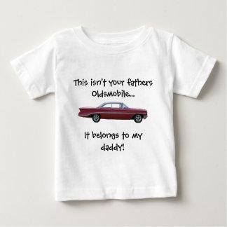 No su camiseta del bebé de Oldsmobile de los Playeras