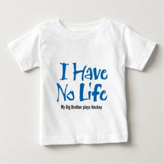 No tengo ninguna vida (el hockey) playera de bebé