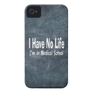 No tengo ninguna vida Im en la Facultad de Medicin iPhone 4 Case-Mate Cobertura