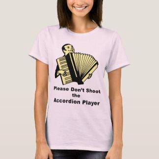 No tire por favor al jugador del acordeón playera