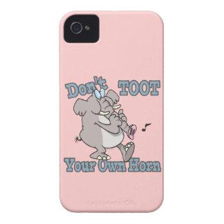 no toot su propio dibujo animado del elefante del iPhone 4 Case-Mate protectores