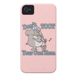 no toot su propio dibujo animado del elefante del Case-Mate iPhone 4 protector