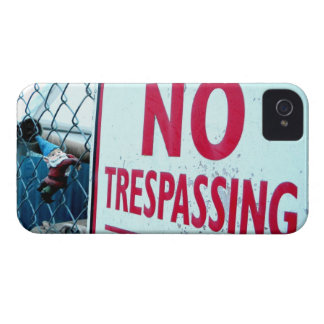 No Trespassing Case-Mate iPhone 4 Case