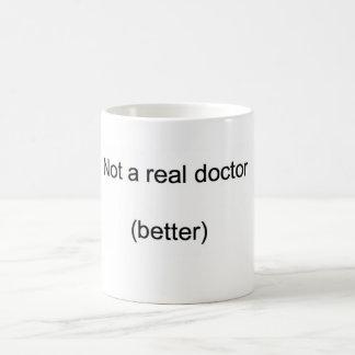 """""""No un doctor real"""" PhD Taza"""
