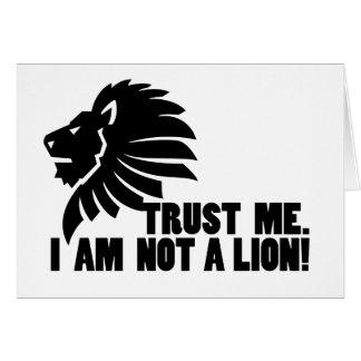 No un león divertido tarjetón
