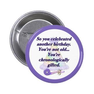 No viejo cumpleaños pin