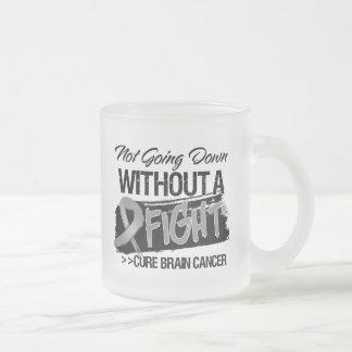 No yendo abajo sin una lucha - cáncer de cerebro taza cristal mate