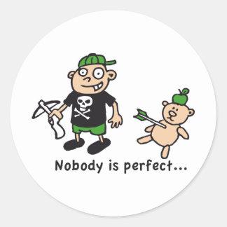 nobody is perfect etiquetas redondas