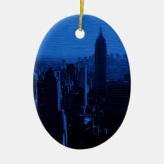 Noche azul de New York City Adorno Navideño Ovalado De Cerámica