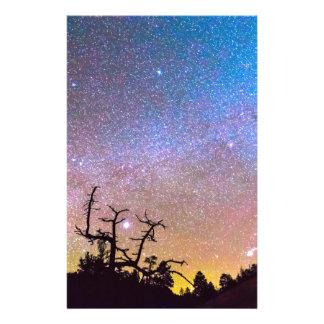 Noche de la galaxia papeleria de diseño