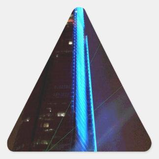 Noche de la inauguración de la presentación de luz pegatina triangular