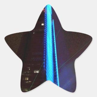 Noche de la inauguración de la presentación de luz pegatina en forma de estrella