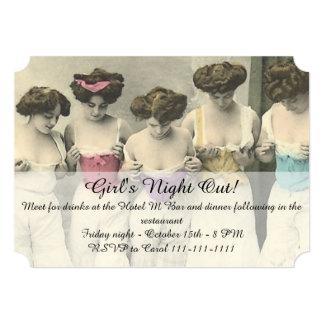 Noche de los chicas de la inspección hacia fuera anuncios