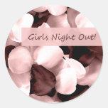 noche de los chicas del ~ de los pétalos color de pegatina redonda