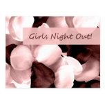 noche de los chicas del ~ de los pétalos color de postal